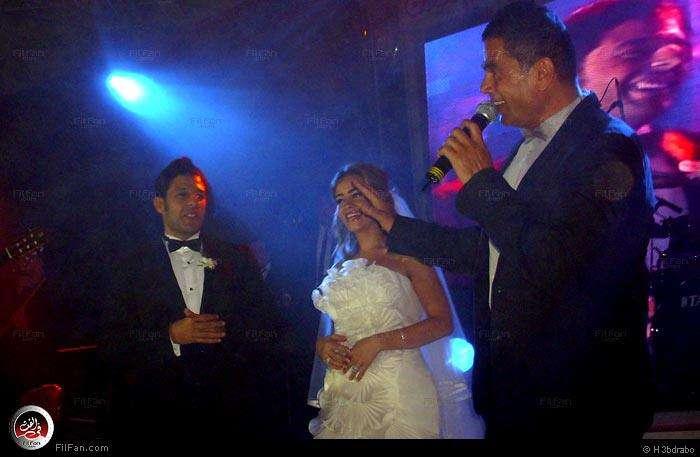 صور النجم عمرو دياب فى حفل زفاف الفنان محمد حماقى ونهلة الحجرى 2011 / 12 / 7 38051410150602376234782.jpg